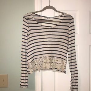 Size L Striped Crop Top With Lace